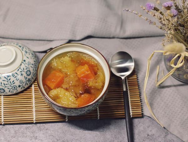 银耳桃胶炖木瓜(女性养颜佳品)的做法