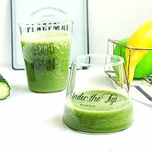 绿色果蔬沙拉饮