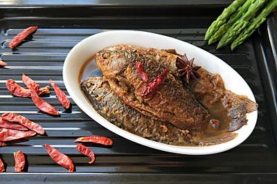 红烧鲫鱼(附鱼肉不碎、鱼皮不掉的秘诀)