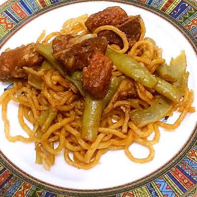 家常好味道——电饭锅扁豆排骨焖面