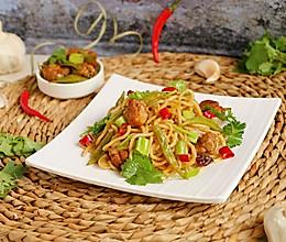 #硬核家常菜#鸭肉四季豆焖面的做法