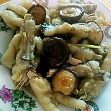 鸡脚焖香菇