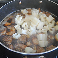 香菇莲藕炖排骨#金龙鱼外婆乡小榨菜籽油 最强家乡菜#的做法图解7