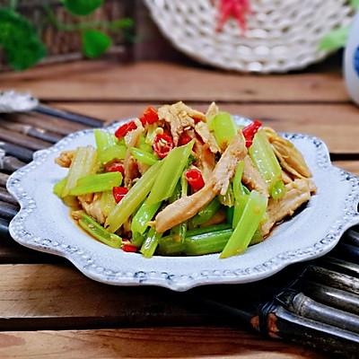 辣炒芹菜鸡胸肉