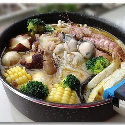 金灿灿的黄金海鲜火锅迎新年