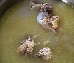 大骨头汤的做法