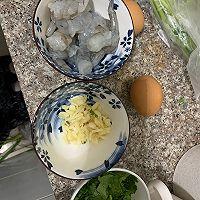 虾仁煎蛋裙带菜豆腐汤的做法图解3