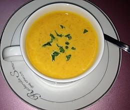 奶油南瓜浓汤的做法