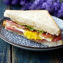 煎蛋火腿三明治