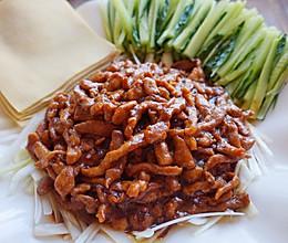 京酱肉丝卷着吃的做法