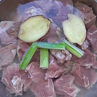 香浓咖喱土豆牛腩的做法图解2
