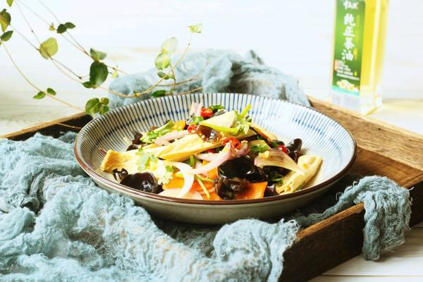 爽口开胃凉拌菜之腐竹拌木耳的做法