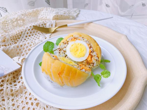 剩饭好去处—蜜桃鸡蛋饭团的做法