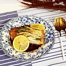 柠香烤三文鱼