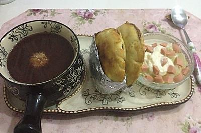 爱心早餐-红豆菊花糯香粥,自制肉夹馍,蔬菜火腿沙拉