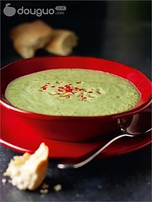 西兰花干酪汤的做法