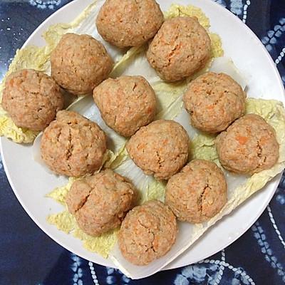 蒜香胡萝卜土豆泥牛肉丸