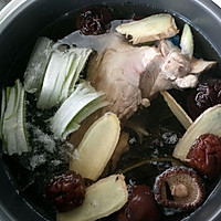 莲藕海带大骨汤的做法图解5