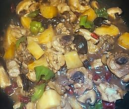 鸡腿肉炖土豆香菇的做法