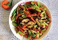 芹菜炒香菇的做法