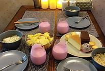 粉色牛油果汁的做法