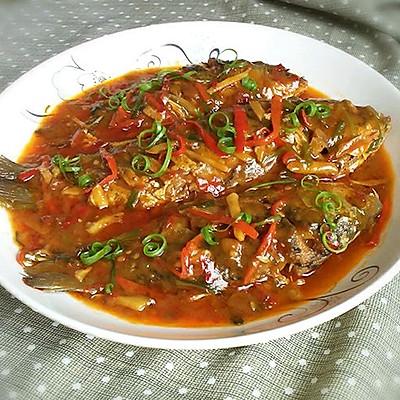 下饭菜~红烧鲫鱼。