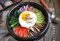 美味又可口的石锅拌饭,做法简单到你也会,在家吃省钱又实惠的做法