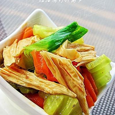 夏日开胃小凉菜---红油腐竹拌莴笋