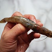 避风塘虾#MEYER·焕新厨房,唤醒美味#的做法图解1