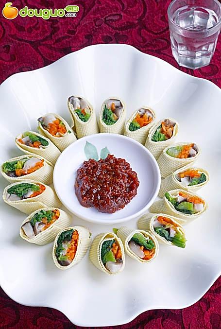 不次于肉肉滴东北素食--素丝卷的做法