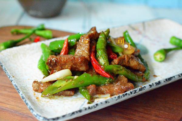 杭椒牛柳:夏天开胃下饭肉菜的做法