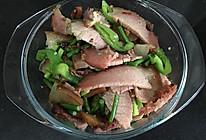 青椒蒜苔炒腊肉的做法