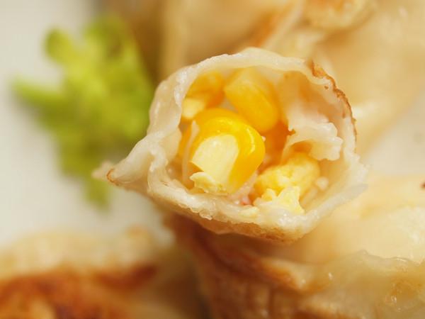 #有颜值好味道的玉米鲜虾鸡蛋饺的做法