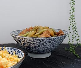 五花肉炖土豆芸豆的做法