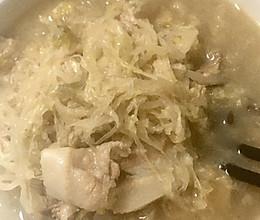 猪肉炖酸菜(妈妈做的味道)的做法