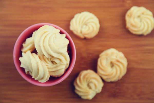 奶酪蛋白曲奇(烤箱做饼干)的做法