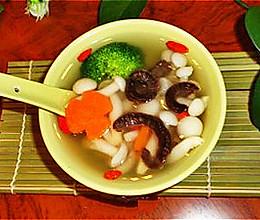 营养从早餐开始-小蘑菇海参汤的做法