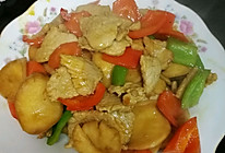 鸡腿菇炒肉的做法