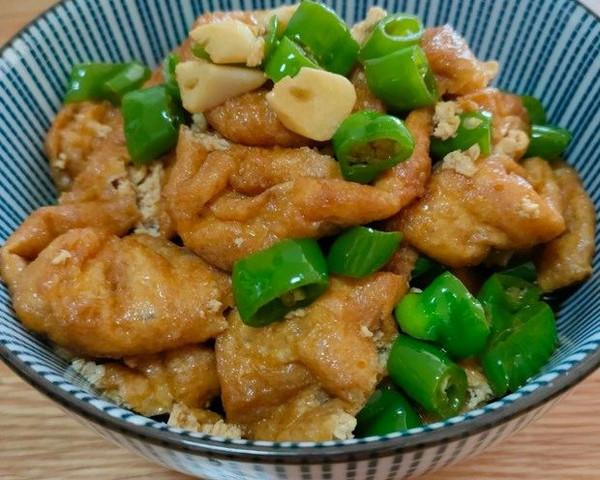 比肉还好吃的青椒油豆腐的做法