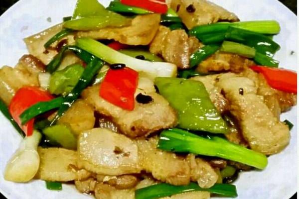 双椒豆豉炒腩肉的做法