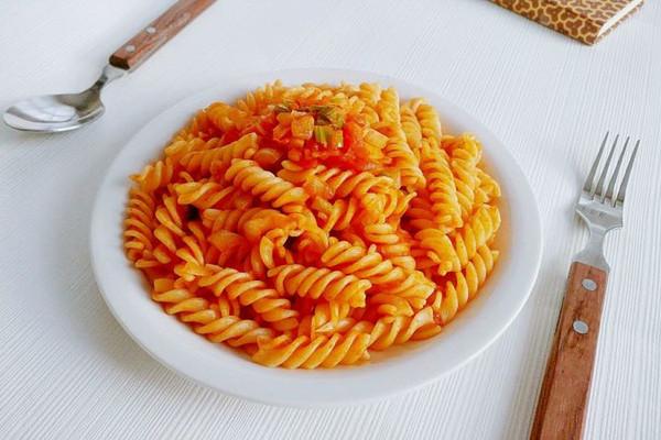 茄汁没肉螺旋面的做法