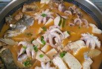 鸡鱼豆腐锅的做法