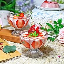 #春季食材大比拼#草莓慕斯杯
