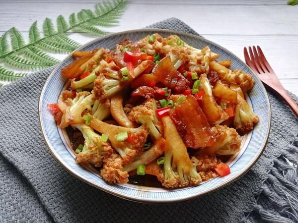 米饭杀手❗️超下饭的五花肉干锅花菜的做法