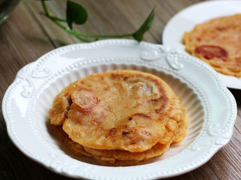 韩式风味的泡菜香肠煎饼