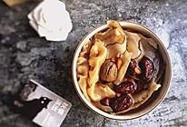 枸杞桃胶养颜汤的做法
