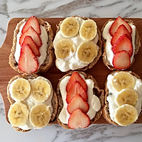 水果酸奶开放式三明治的做法图解3