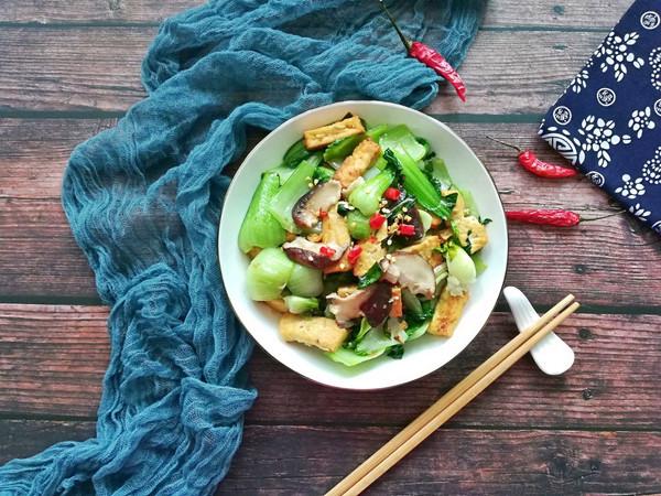 香菇油菜炒豆腐#花10分钟,做一道菜!#的做法