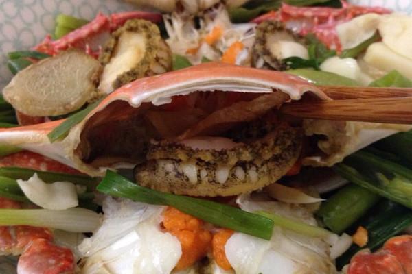 鲍鱼蒸蟹的做法