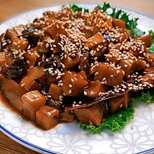 素卤肉浇头,配米饭一绝。无肉胜似有肉!